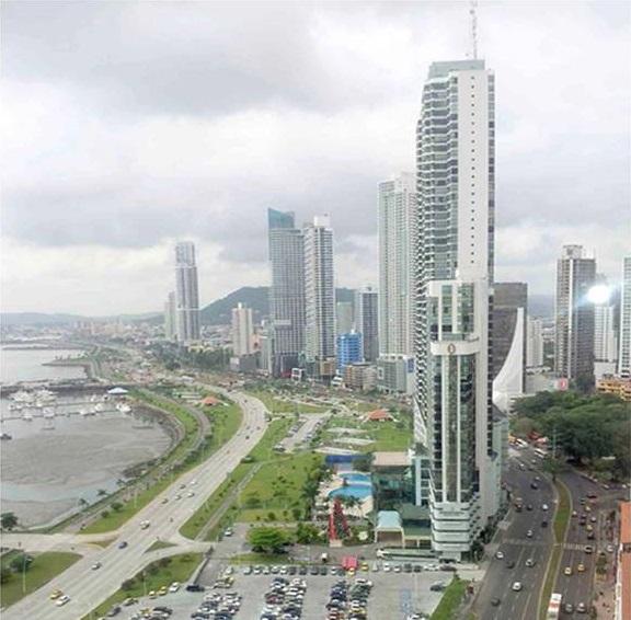 Panama-Panama-City-Colores-De-Bellavista